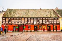 Alte Stadtmitte mit den ältesten Häusern und Gebäude im Weihnachten würzen in Malmö in Schweden Stockbild