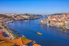Alte Stadtskyline und Duero-Fluss porto Stockfoto
