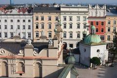 Alte Stadtwohnungs-Häuser in Krakau Lizenzfreie Stockfotos