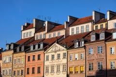 Alte Stadtwohnungs-Häuser in Warschau Lizenzfreies Stockfoto