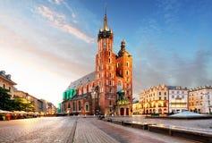 Alte Stadtzentrumansicht mit Adam Mickiewicz-Monument und St Mary u. x27; Stockfoto