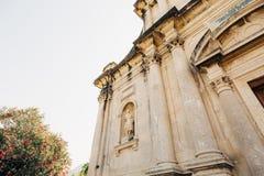 Alte Statue auf dem Gebiet der Kirche der Geburt Christi von Stockfotos