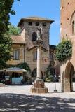 Alte Statue des Engels im Hof von Schloss Grazzano Visconti Stockfotografie