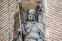 Alte Statue des Ritters am Heiligen Vitus Cathedral in Prag, Tschechische Republik, Details, Nahaufnahme lizenzfreie stockbilder