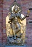 Alte Statue in Royal Palace bei Mul Chowk in Patan, Kathmandu Lizenzfreies Stockbild