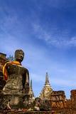 Alte Statue und blauer Himmel Lizenzfreies Stockfoto