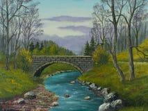 Alte Steinbrücke über einem kleinen Fluss