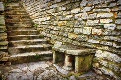 Alte Steinschritte Stockbild