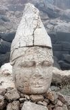 Alte Steinstatue auf die Oberseite von Nemrut-Berg, die Türkei Lizenzfreie Stockfotografie
