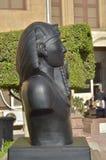 Alte Steinstatue eines ägyptischen Pharaonic Basaltsonnenlichtes blieb Zitadelle Ägyptens Kairo Stockfoto