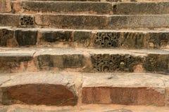 Alte Steintreppen in Khajuraho, Indien Stockfotos