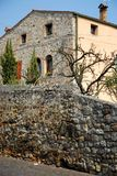 Alte Steinwände eines Hauses in ArquàPetrarca Venetien Italien Stockbilder