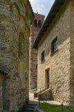 Alte Steinwände an St- Peterkirche, Agliate Lizenzfreies Stockbild