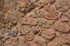 Alte Steinwand Maurerarbeit von alten Steinen und von Ziegelsteinen Schöner Hintergrund Stockbilder