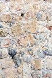 Alte Steinwand Maurerarbeit von Steinen und von Ziegelsteinen Schöner Hintergrund Lizenzfreie Stockbilder