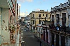 Alte Straße alten Havana-Bezirkes Kuba lizenzfreie stockfotos