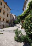 Alte Straße in Bakar Stockbilder