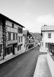 Alte Straße im baskischen Stadtla Bastida-Clairence Lizenzfreie Stockfotos