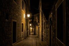 Alte Straße im Herzen der Spalte Stockbild