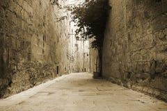 Alte Straße in Mdina stockfotos