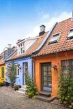 Alte Straße und Häuser Stockfotos