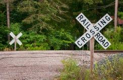 Alte Straßen-Schienen-Überfahrt Lizenzfreies Stockfoto