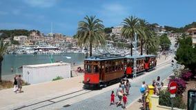 Alte Straßenbahn in Port de Soller, Mallorca-Insel, Spanien stock video footage