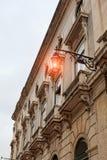 Alte Straßenlaterne, Detail einer alten Beleuchtung in der Verdichtereintrittslufttemperat Stockbild