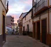 Alte Straße in Mérida in der Dämmerung Lizenzfreies Stockfoto