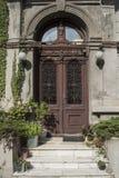 Alte Tür in Bukarest Stockbild