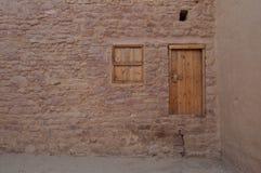 Alte Tür in der alten Stadt von Al Ula, Saudi-Arabien Stockbild