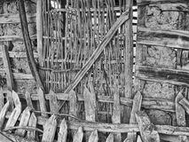 Alte Tür einer hölzernen Flechtweide Stockfoto