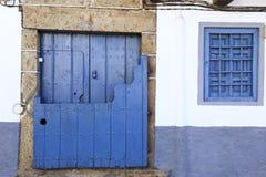 Alte Tür im alten Dorf von Candelario in Spanien 24. September 2017 Spanien Lizenzfreie Stockfotografie