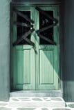 Alte Tür, schmutzig und furchtsam Stockfoto