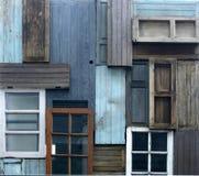 Alte Tür und Fenster lizenzfreie stockfotos