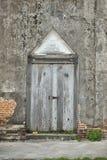 Alte Tür und Wand des Tempels Lizenzfreie Stockfotos