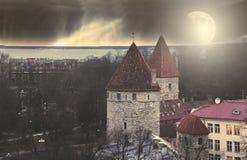 Alte Türme in Tallinn, Estland Lizenzfreie Stockfotos
