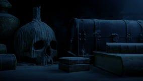 Alte Tabelle mit dem Schädel im dunklen Schloss stock footage