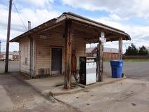 Alte Tankstelle stockbild