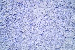 Alte Tapete des hölzernen Brettes mit purpurroter Farbfarbe Stockfoto