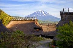 traditionelle japanische häuser redaktionelles bild - bild: 48961540 - Japanische Huser