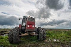 Alte Traktor-Landschaft Lizenzfreies Stockfoto