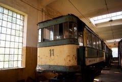 Alte Tram im Depot Lizenzfreies Stockbild