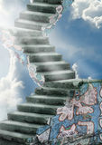 Alte Treppen zum Himmel Stockfotos