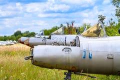 Alte tschechoslowakische Aero L-29 Delfin Maya Militärjet-Trainerflugzeuge Stockbilder