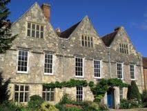 Alte Tudor Villa lizenzfreie stockbilder