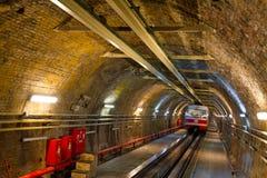 Alte Tunnel-Zeile Stockfotos