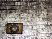 Alte Uhr auf der Wand, Innengegenstand Lizenzfreie Stockfotos