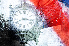 Alte Uhr der Weinlese auf buntem Hintergrund (Doppelbelichtung) Lizenzfreie Stockfotografie