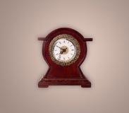 Alte Uhr der Weinlese mit dem Zeigen von preicse Zeit Lizenzfreies Stockbild